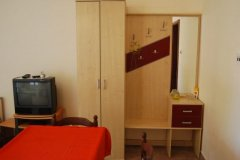 studio apartment sandra_2980_med.jpg